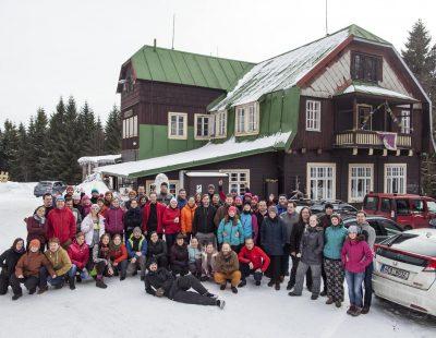 201702 Blue skis